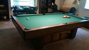 Pool table billiards with accessories for Sale in Bartow, FL