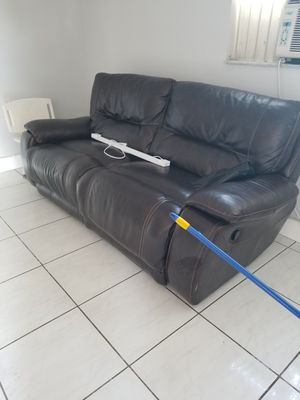 sofa reclinable..recliner sofa for Sale in Miami, FL