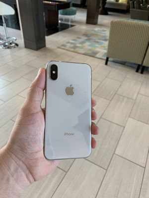 iPhone X 64 GB unlocked for Sale in Herndon, VA