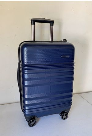TRAVELER'S CHOICE 21' Hardside Spinner Carry-on (With USB Port) for Sale in Flower Mound, TX