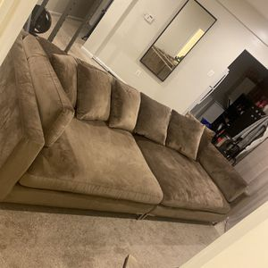 "Sectional Sofa (58"" X 118"") for Sale in Laurel, MD"