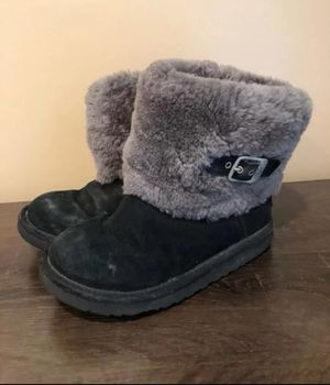 Girls Black UGG Boots Size 2 for Sale in Buffalo, MO