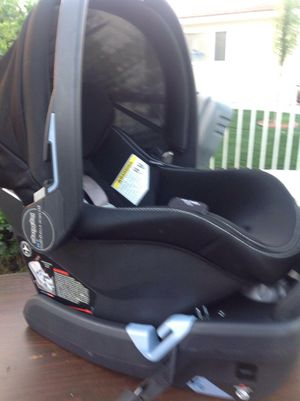 Peg Perego Primo Viaggio 4-35 Infant Car Seat  EX 2021 for Sale in San Bernardino, CA