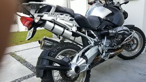 Bmw 1200gs r1200gs motorcycle 1200 0gs like new condition for Sale in Miami, FL