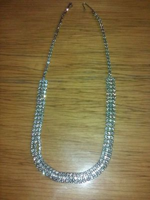 Diamond like 18 inch necklace and 2 pair of earrings set $10 for Sale in Las Vegas, NV