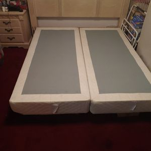 King Size Box Frame With Bed Frame for Sale in Long Beach, CA