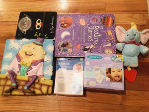 Free baby/toddler books and brand new milk storage bags for Sale in North Bergen, NJ