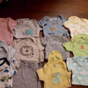 All Newborn Clothes 27Pieces $12 for Sale in Los Angeles, CA
