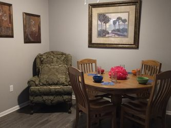 Dining Table for Sale in Altamonte Springs,  FL