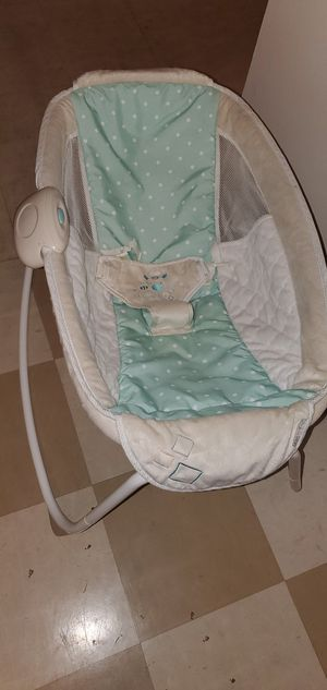 Baby Bassinet Rocker Free for Sale in Lancaster, PA
