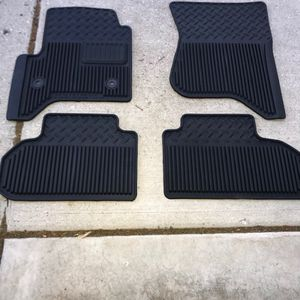 2019 GMC/Chevy OEM Floor Mats, NEW for Sale in Mount Prospect, IL
