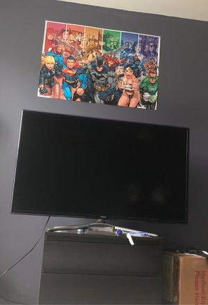 Samsung 50 inch Smart TV, TV DOES NOT STAY ON for Sale in Burtonsville, MD