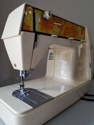 Portable Singer sewing machine for Sale in Miami, FL