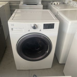 Nice Kenmore Frontload Washer , 4.0 super Capacity for Sale in North Las Vegas, NV