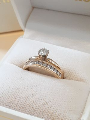 $1200! 14k gold diamond ring set size 6 excellent condition for Sale in Tacoma, WA