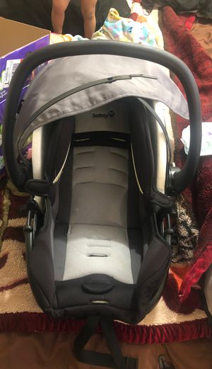 Car seat with snap n go stroller for Sale in Oklahoma City, OK