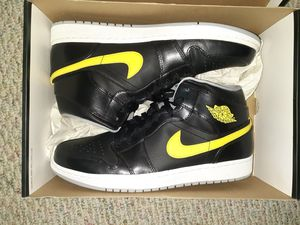 Jordan 1 Mid Size 12 DS for Sale in IL, US
