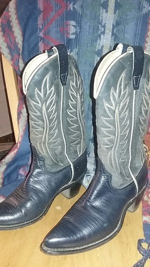 Wrangler western boots dark blue almost black, size 6 for Sale in City of Industry, CA