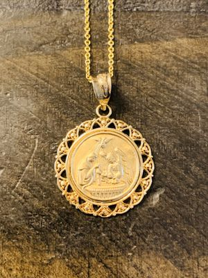 Amazing Gold Pendant Necklace (Price is Negotiable) for Sale in Los Angeles, CA