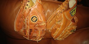 Top grain leather baseball gloves 13 in for Sale in Spring Valley, CA