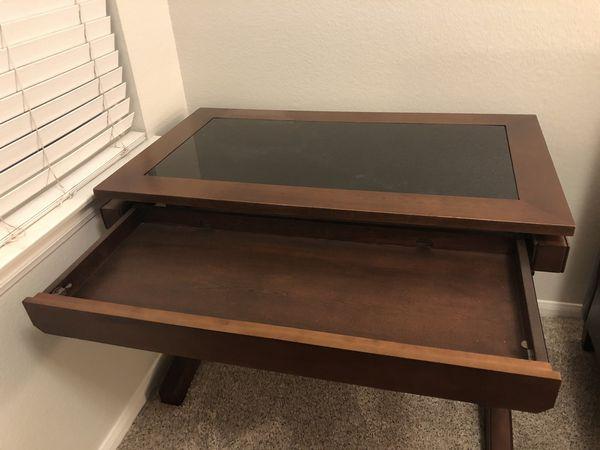 Personal desk