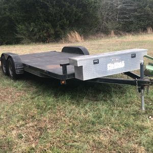 Car hauler, Tandem axle dovetail trailer for Sale in Lebanon, TN