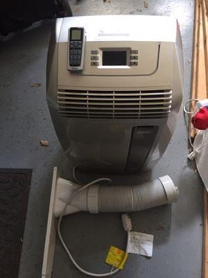 Delonghi PAC 140e eco 14,000 BTU Portable Air Conditioner dehumidifier w/ Remote Control for Sale in San Diego, CA