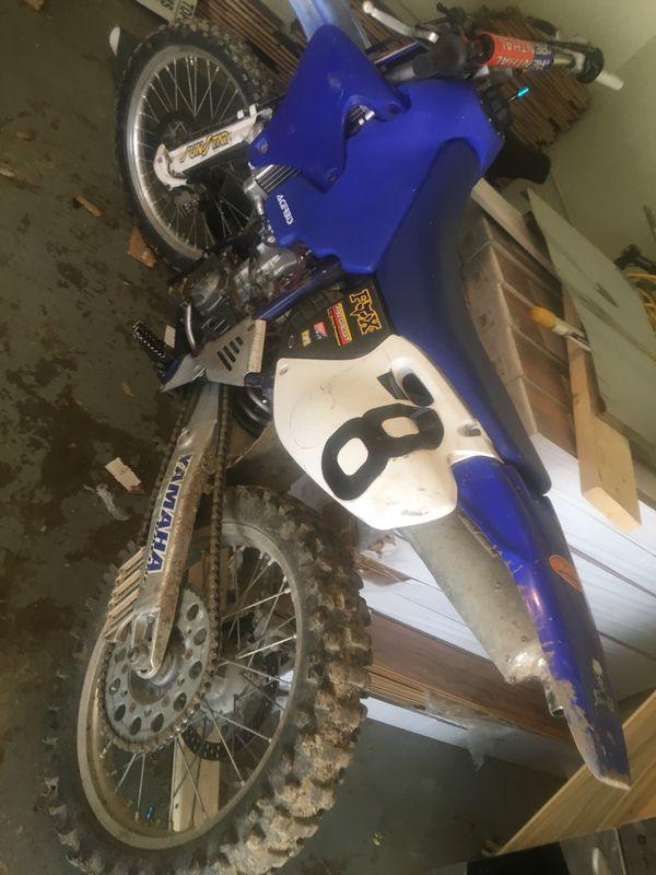 Motorcycle Yamaha 426 02 runs very strong