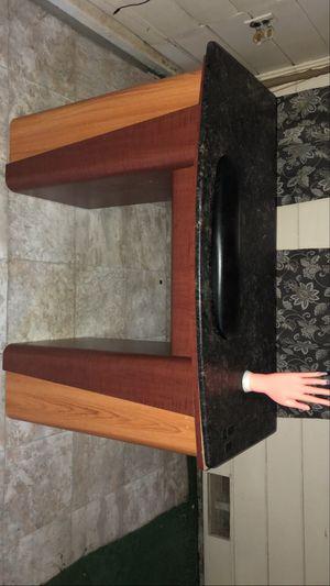Manicure table desk for Sale in Modesto, CA