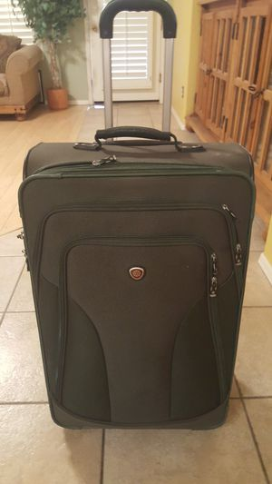 Large suitcase for Sale in Chandler, AZ