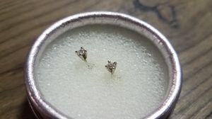 Earrings of diamond whit 18k gold for Sale in Revere, MA