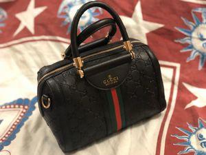 Gucci shoulder bag for Sale in Atlanta, GA