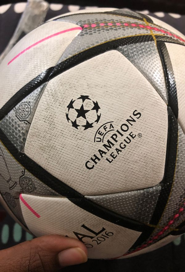 FIFA champions league official match ball