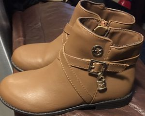Girl Michael kors boots for Sale in La Puente, CA
