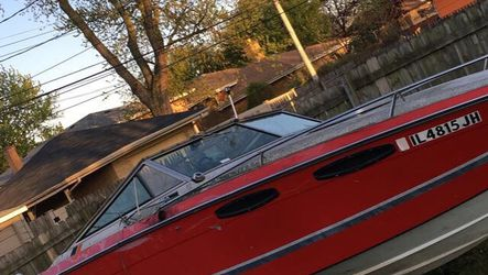 83 Chris Craft Scorpion for Sale in Evergreen Park,  IL