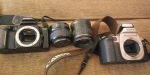 Cannon 📷 with lens /maxima camera with lens for Sale in Fresno, CA