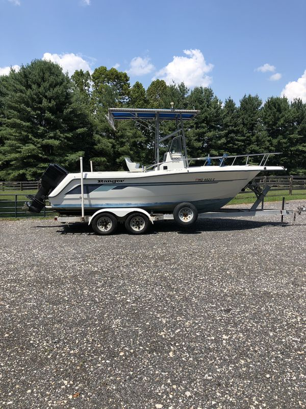 1993 Ranger 210C 20' Center console boat. Powered by a 1994 Black Max