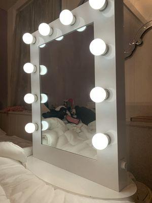 Perfect condition vanity mirror for Sale in San Fernando, CA