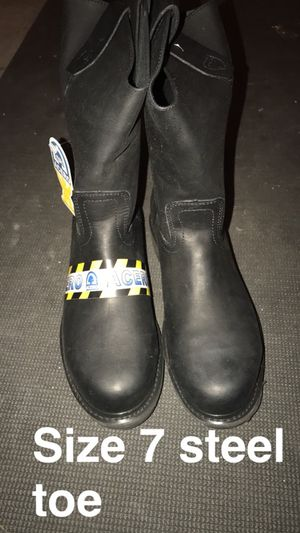 Work boots size 7 steel toe for Sale in Tooele, UT