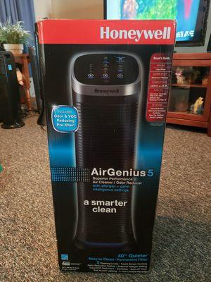Honeywell ( Air Genious 5 ) Air Purifier for Sale in Columbus, OH