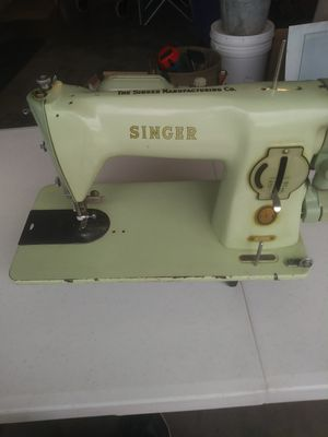 1950's Vintage Singer Green Sewing Machine w/ Case for Sale in Denver, CO