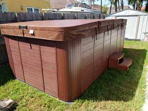 Jacuzzi Spa Hot Tub swimming pool for Sale in Miami, FL