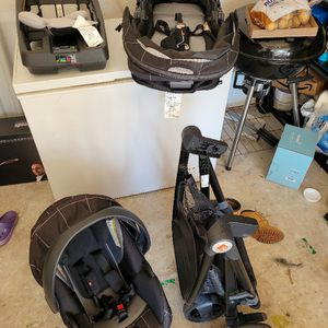 Infant Baby Car Seat And Stroller Goodbaby for Sale in Hollywood, FL