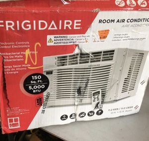 Frigidaire 5000 btu window ac air conditioner unit for Sale in Houston, TX