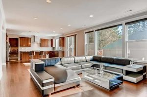 U-Shaped luxary leather sectional sofa and coffee table for Sale in Issaquah, WA