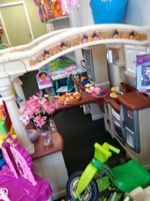 Walking kitchen with accessories for Sale in Poway, CA