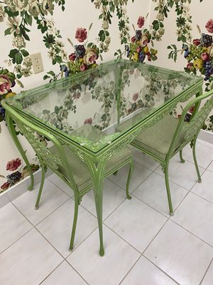 Breakfast table and two 2 chairs for Sale in LAUD BY SEA, FL