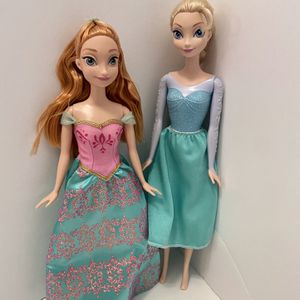 Disney Frozen Anna And Elsa for Sale in Laurel, MD