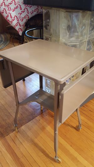 Vintage typewriter table with drop leafs for Sale in Peoria, IL