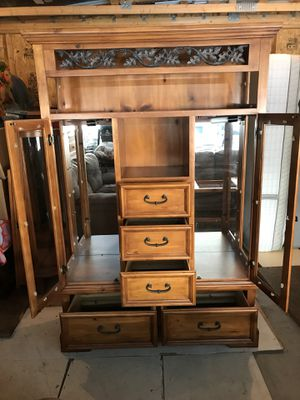 Dining room hutch for Sale in Milaca, MN
